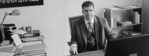 Rechtsanwalt Axel Pabst in seiner Kanzlei in Hofheim am Taunus.